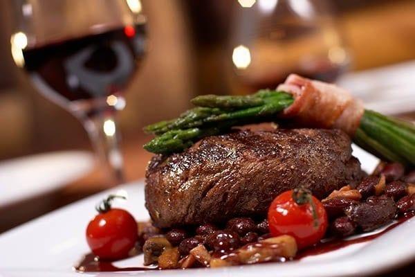 hallendale-beach-restaurants-dinner-with-steak-and-wine