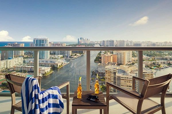 hotel-in-hollywood-beach-balcony-of-suite